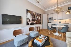 1010-apartment-wien-stubenring-wohnkueche3