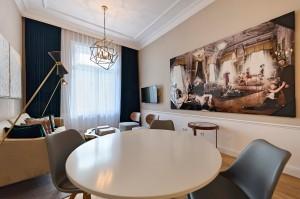 1010-apartment-wien-stubenring-wohnzimmer2