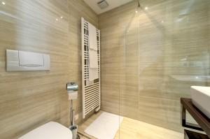 1010-apartment-wien-koellnerhofgasse-badezimmer-4