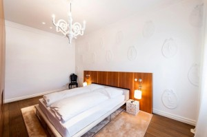 1010-apartment-maria-theresien-str-schlafzimmer2