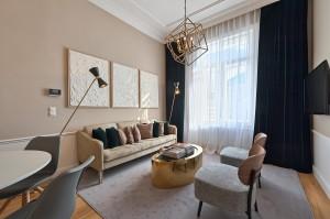1010-apartment-wien-stubenring-wohnkueche2